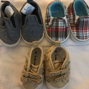 Lot of 3 pairs of baby shoes baby gap